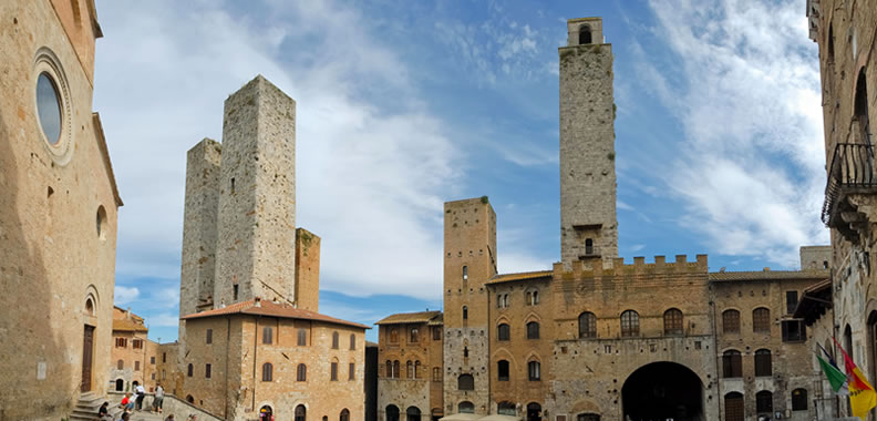 Discover San Gimignano in Italy - Rolling Hills Francesco Conforti